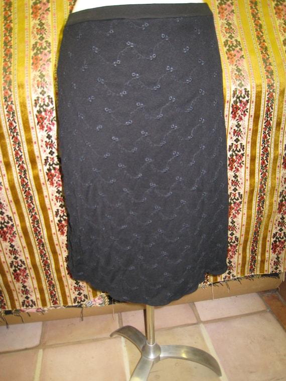 Black color lace knee length skirt ( v53)