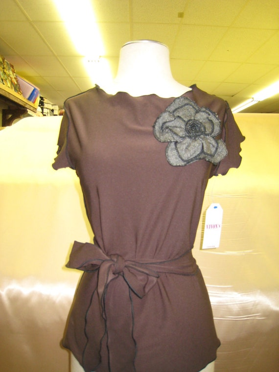 Brown color tank top with rose decoration and a belt decorative (V141)