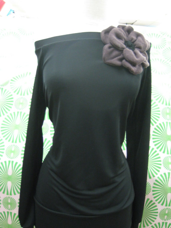 Black color long sleeves wide shoulder top with purple rose decoration plus made in USA