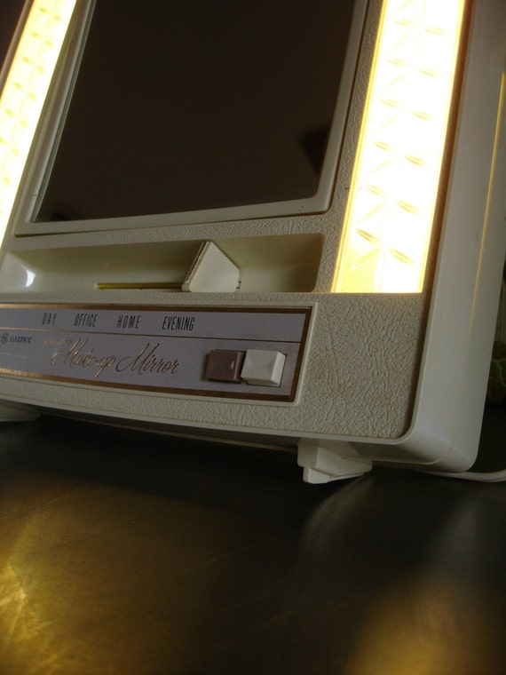 Vintage General Electric Lighted Makeup By Chronicutilitarian