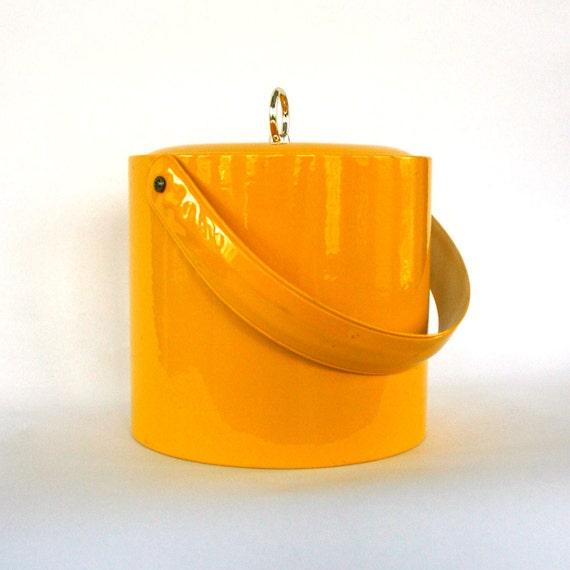Yellow Ice Bucket. Sunshine Yellow Pattent Leather. Retro. Mod. Lidded. Round. Wine Cooler. Barware. Beverages. Vestiesteam. eveteam.