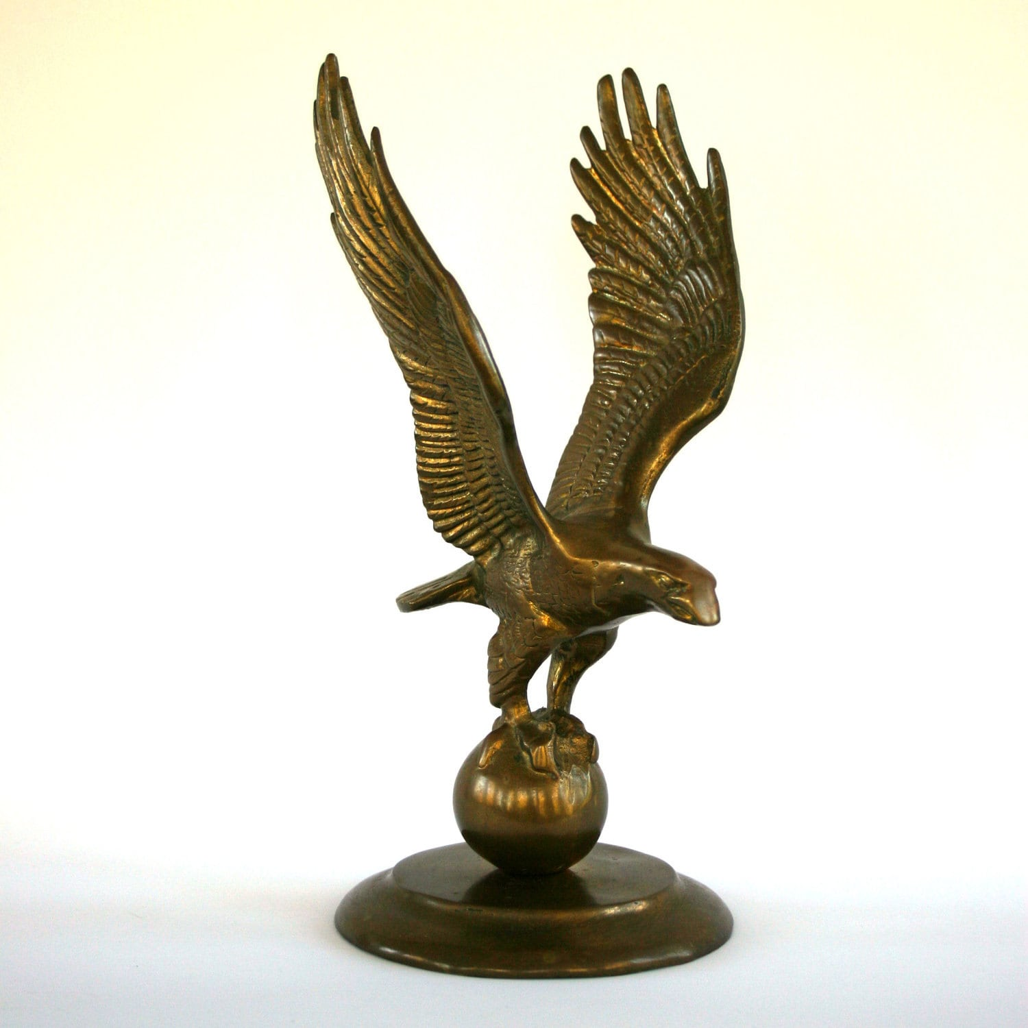 Vintage brass eagle statue home decor american bird for Home decorations on ebay