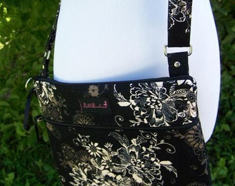 Padded Zippered Front IPad/Nook/Kindle/eReader/Travel/Hipster/Across the Body/ Shoulder Purse