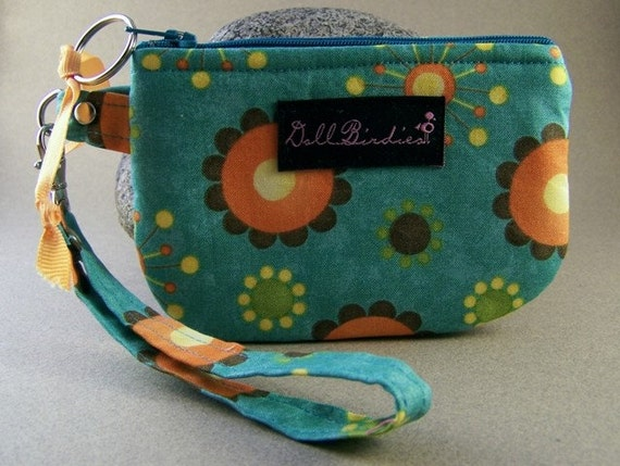 Last One Zippered Gadget Wristlet for IPod, Cell Phones, Small Cameras, MP3 Players,l I.D., Credit Cards, Change, Knitting Notions