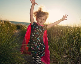 FAST SHIP - Childrens Single Color Super Hero CAPE - Choose from 8 colors - Perfect easy affordible kid costume - superhero gift