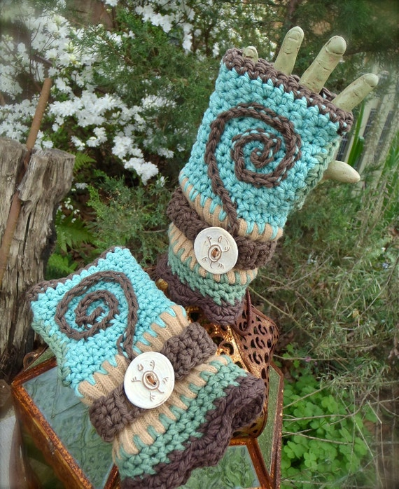 SPIRALS turtles FINGERLESS GLOVES funky knit crochet eco-friendly upcycled