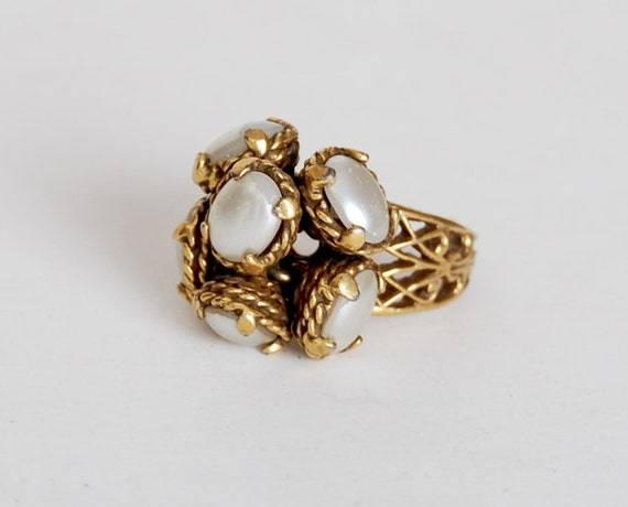 Vintage 60s 70s Gold Metal Pearl Bead Cluster Ring