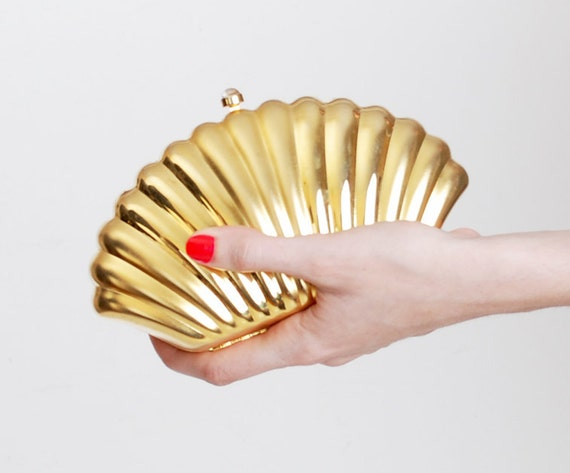 Vintage 90s Gold Metal Seashell Evening Bag Clutch Purse