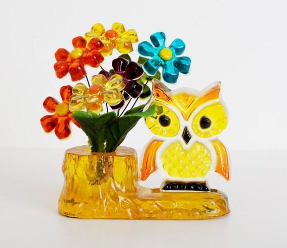 Vintage 70s MOD Lucite Resin Owl & Daisy Flowers Figurine