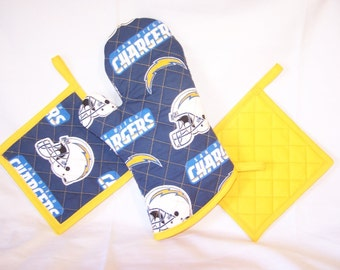 NFL San Diego Chargers Tailgate Set, Oven Mitt and Pot Holders