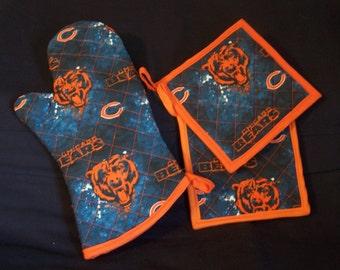 NFL Chicago Bears Tailgate Set, Oven Mitt and Pot Holders