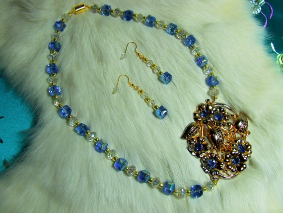 Glass Beaded Necklace with Reto Focal Piece   Item 11-11