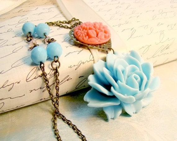 Blue Ruffled Rose Pink Flower Turquoise Blue Bead Necklace