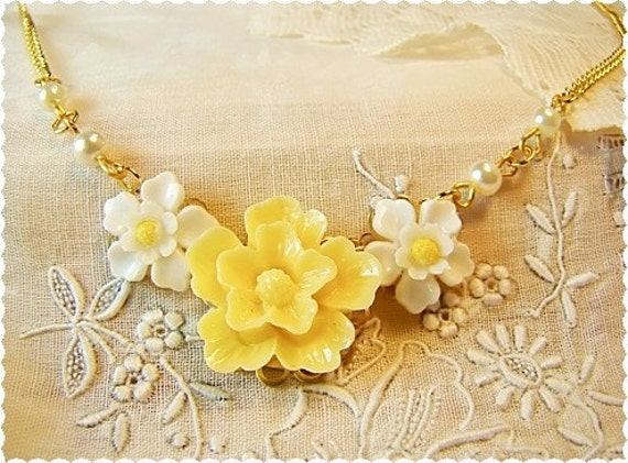 Sweet Yellow White Daffodil Flower Cabochon Necklace . Elegant Vintage Style Jewelry by Alyssabeths