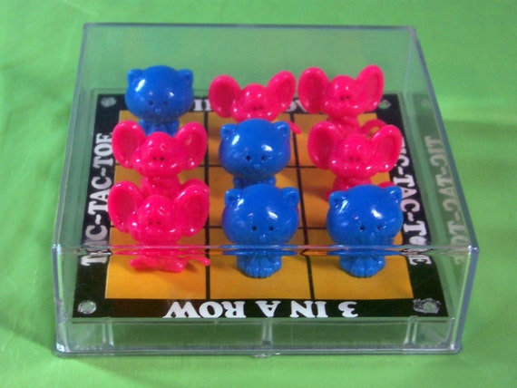 1982 Cat and Mouse 3D Tic-Tac-Toe game