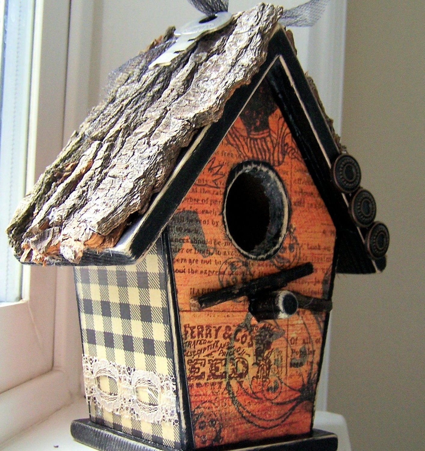 Tipsy Pumpkins Haunted Bird House Tre Bark Roof Lace