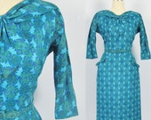 Vintage 1950's Wiggle Dress // Secretary Bow FREE SHIPPING