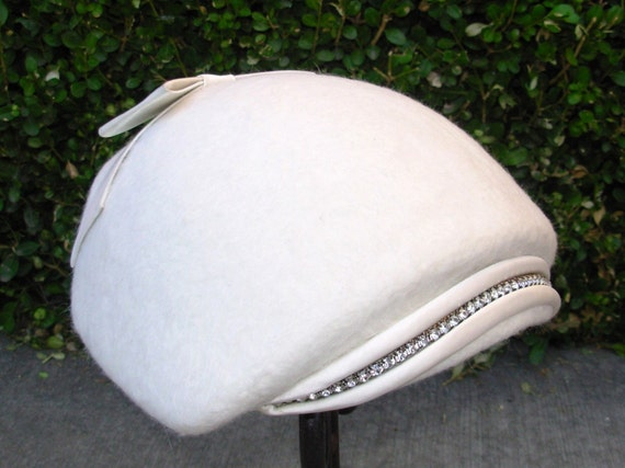 Vintage 1950s Creamy White Furry Hat by Arthur's