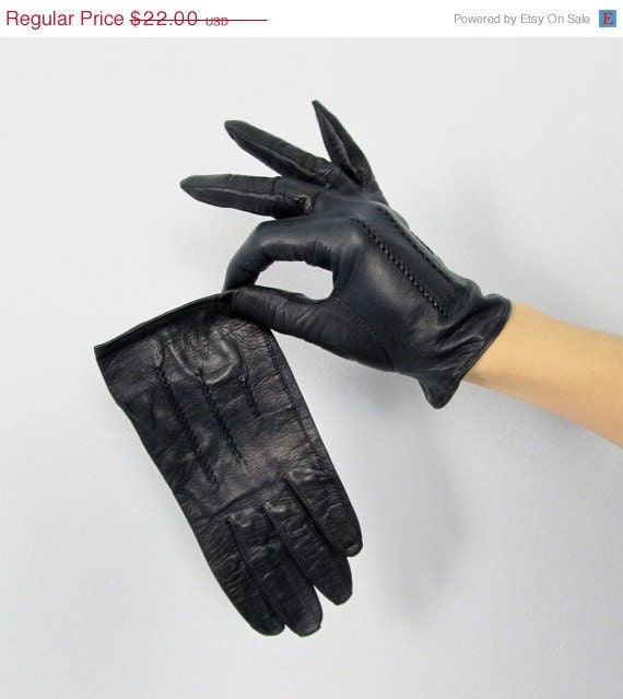 20% OFF Vintage 1950's Kid Leather Wrist Gloves FREE SHIPPING