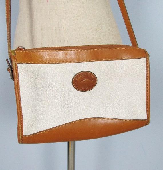 Vintage Authentic DOONEY & BOURKE Purse Crossbody White Leather Shoulderbag
