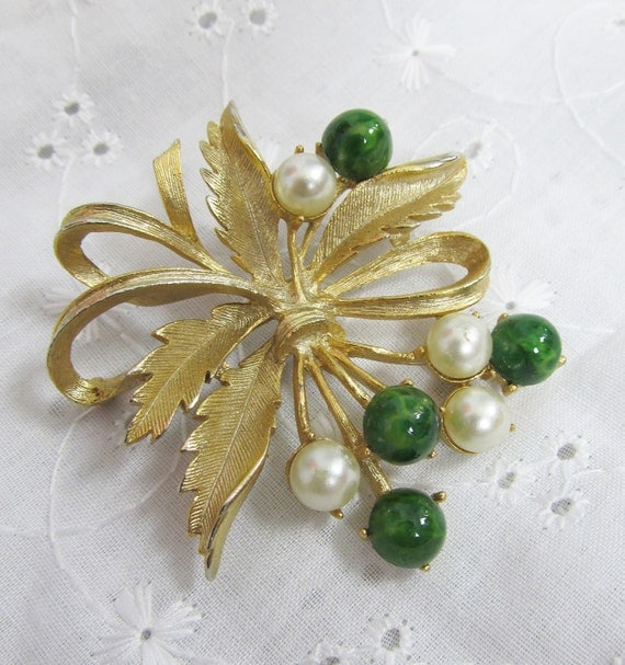 Vintage 1960's SARAH COVENTRY Brooch Pin