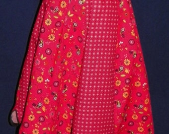Waist Apron Red Scallop and Tossed Paisley 7 Panels