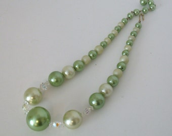 Vintage Faux Pearl and Crystal Necklace - Green Pearl Vintage Choker Necklace