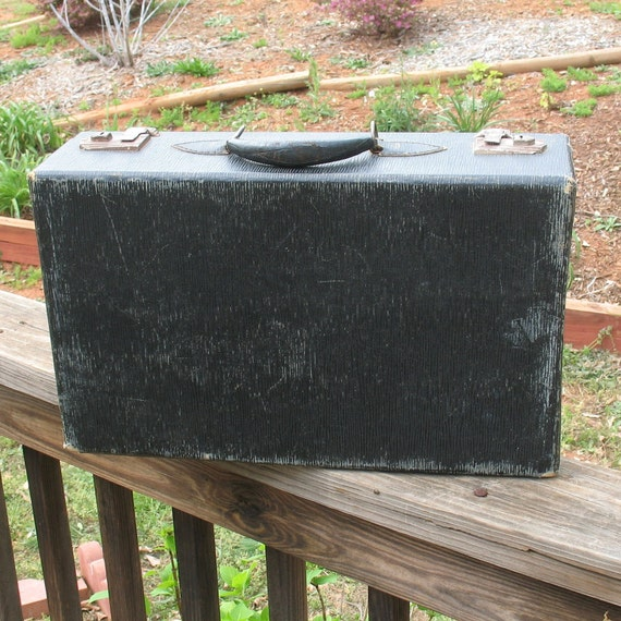 Vintage Black 1940s Style Suitcase - Shabby Chic Vintage Luggage