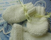 ADELE- Super soft and delicate hand knitted scratch mitts  for Newborn. 6 colors available