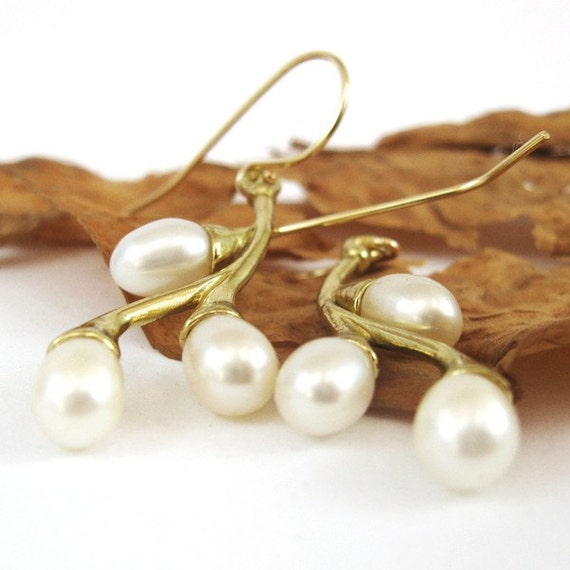 Pearl Earrings - gold, dangle pearls  branches, white Freshwater Pearls, bridal earrings