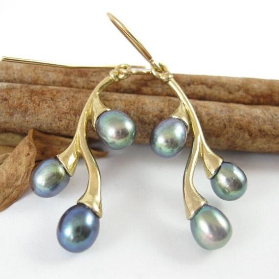 pearl earrings,  Black Pearls  branches,  dangle Earrings