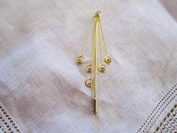 Vintage Gold Tone Stick Pin With Five Straight Wires and Tiny Rhinestones