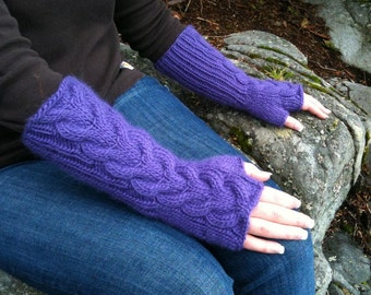 Bella Fingerless Gloves in Amethyst