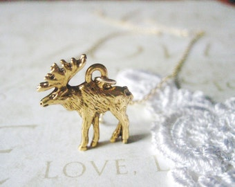 PRISCILLA moose charm necklace (gold)