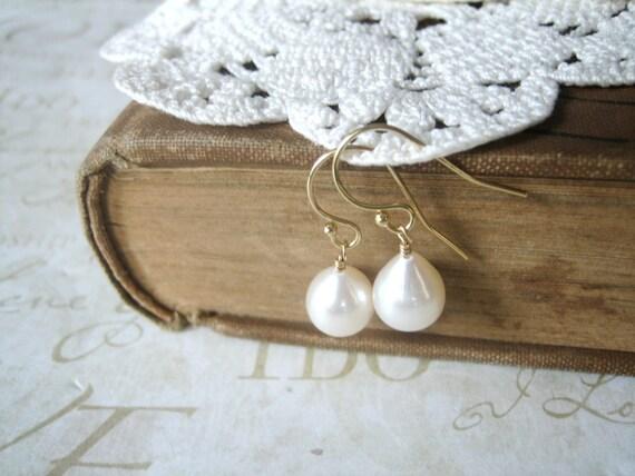 PEARL tear drop pearl earrings (gold)