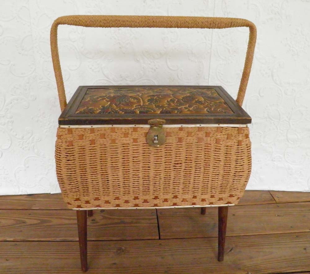 Vintage Wicker Sewing Basket 98