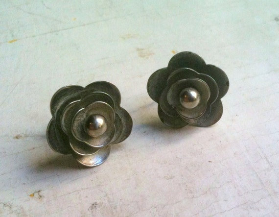 Vintage Mid Century Silver Flower Screw On Earrings 1960s
