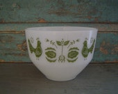 Federal Glass Green Bird Milk Glass Bowl Vintage