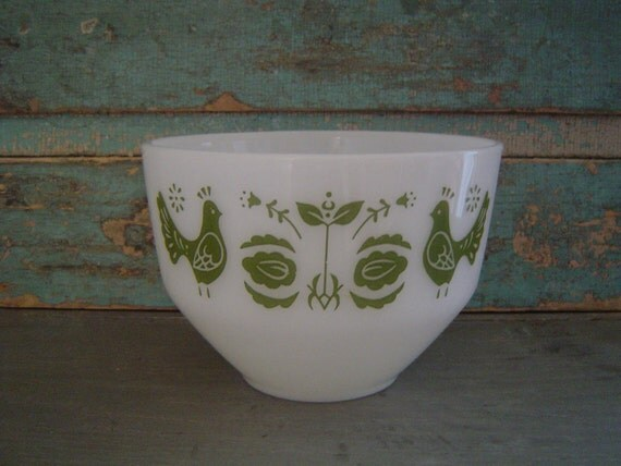 Federal Glass Green Bird Milk Glass Bowl Vintage
