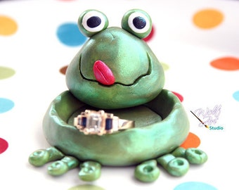 Polymer Clay Frog Ring Holder... Great stocking stuffer