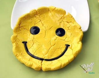 Still Smiling Cracked Smiley Face Trinket/Jewelry/Loose Change/Miscellaneous Holder