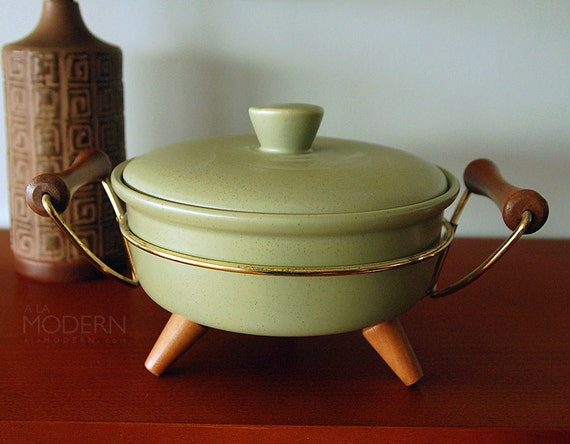 Bauer Pottery Contempo Green Casserole with Holder