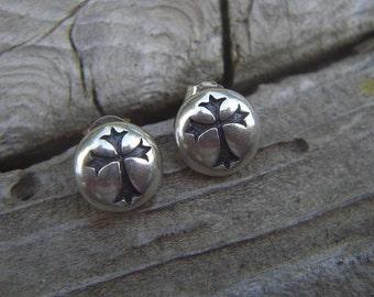 Gothic cross earrings in sterling silver