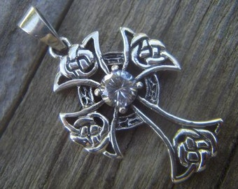 Celtic cross in sterling silver 925 with CZ in the cente