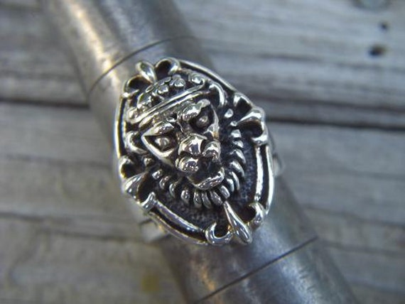Medieval lion ring in sterling silver