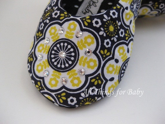SALE 50% OFF Baby girl shoes- Hello Yellow