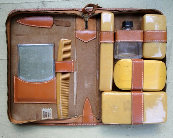 Men's Grooming Kit Travel Leather Case Mid Century Vintage