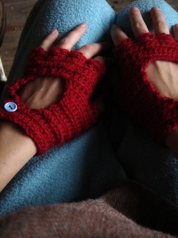 RED RACER - peek-a-boo crocheted driving gloves