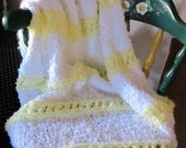 Knit baby Blanket, acrylic yarn (white and yellow)