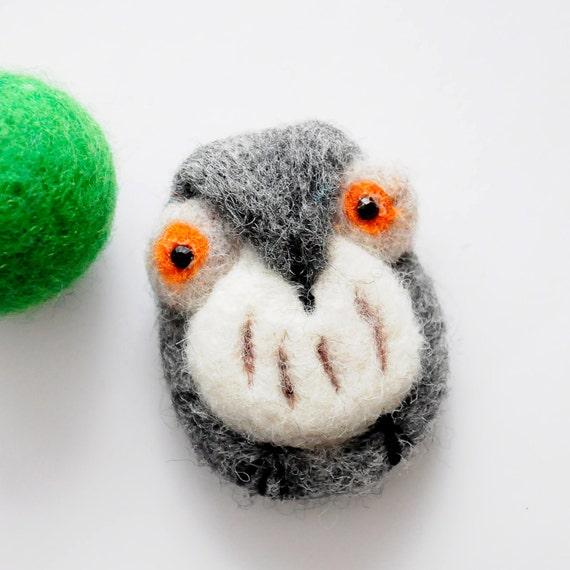 Adorable wool owl brooch - Handmade needle felted owl - Gift for her